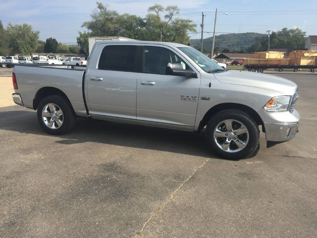 2017 Ram 1500 Crew Cab 4x4, Pickup #1195 - photo 7