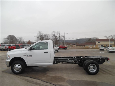 2018 Ram 3500 Regular Cab DRW, Cab Chassis #1876 - photo 6