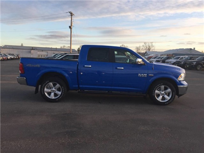 2018 Ram 1500 Crew Cab 4x4 Pickup #6306 - photo 8