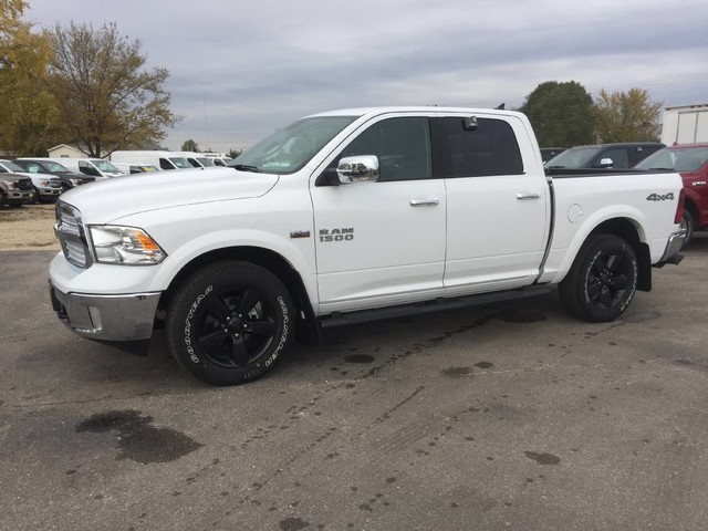 2018 Ram 1500 Crew Cab 4x4 Pickup #6520 - photo 3