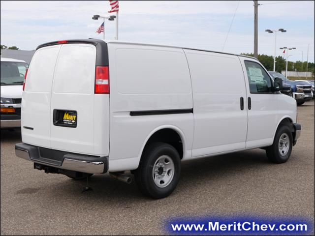 2017 Express 2500, Cargo Van #175121 - photo 3