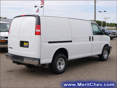 2017 Express 2500 Cargo Van #175121 - photo 3
