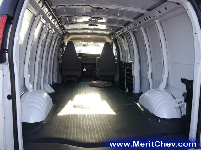 2017 Express 3500 Cargo Van #175214 - photo 2