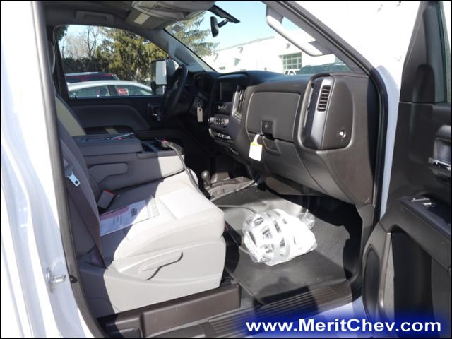 2017 Silverado 3500 Regular Cab 4x4 Pickup #175494 - photo 7