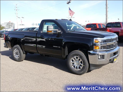 2017 Silverado 3500 Regular Cab 4x4 Pickup #175607 - photo 4