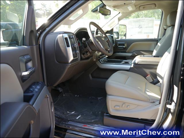 2018 Silverado 3500 Crew Cab 4x4 Pickup #185127 - photo 3