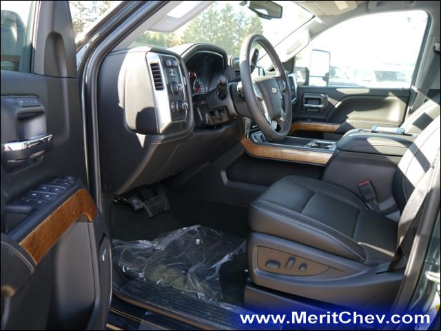 2018 Silverado 2500 Crew Cab 4x4 Pickup #186616 - photo 3