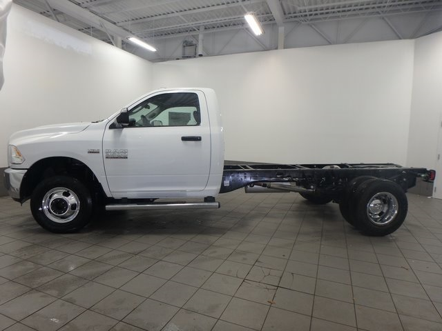 2017 Ram 3500 Regular Cab DRW, Cab Chassis #DOT70041 - photo 3
