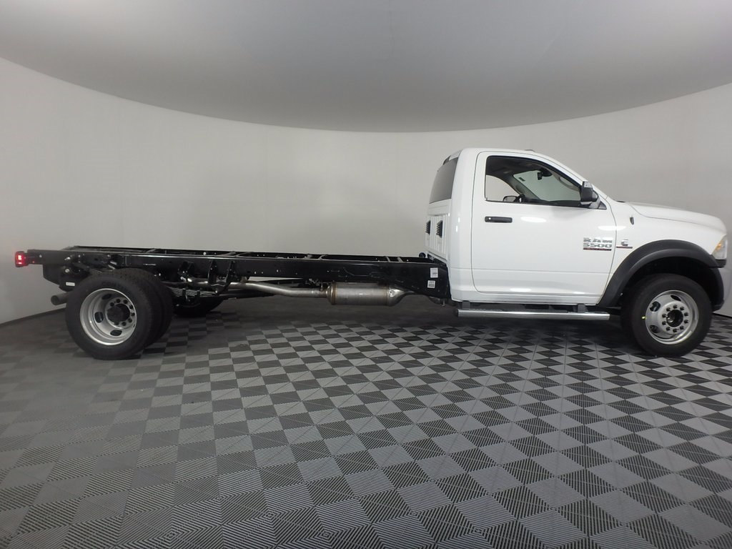 2017 Ram 5500 Regular Cab DRW, Cab Chassis #DOT70988 - photo 3