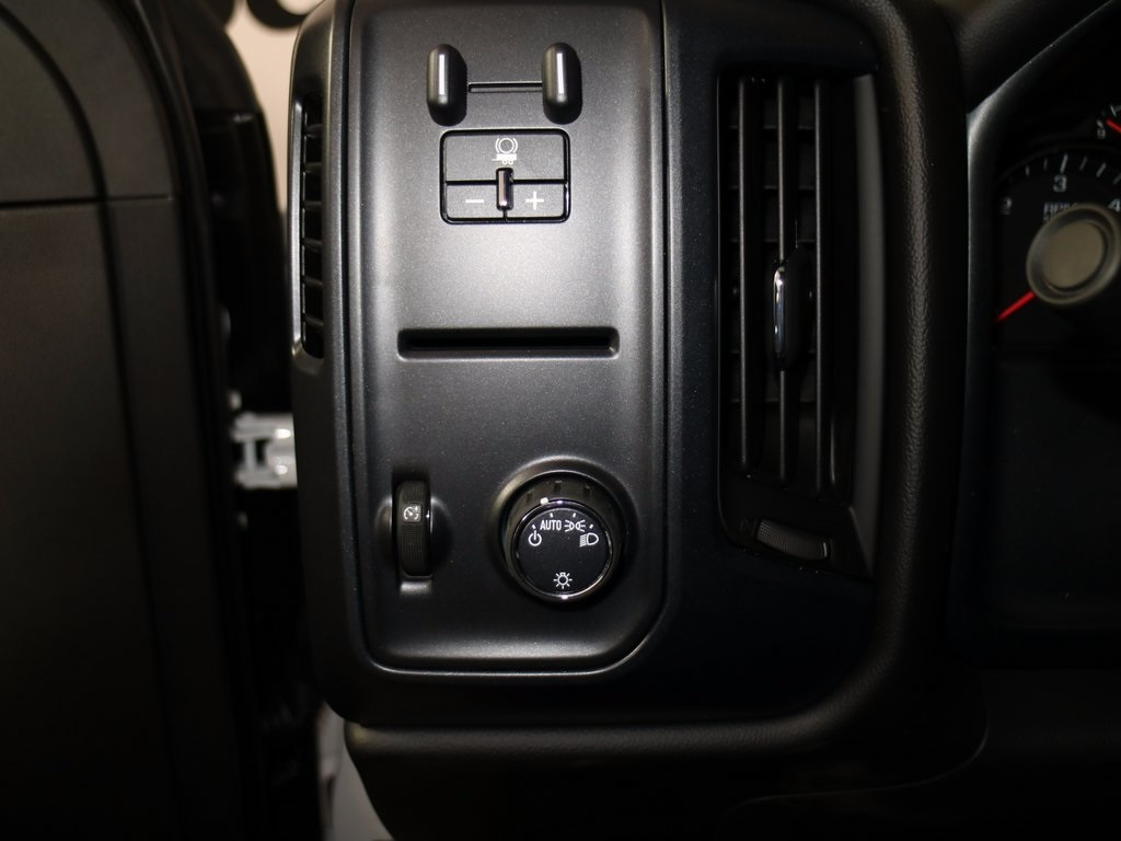 2017 Silverado 2500 Regular Cab, Reading SL Service Body #CT8218 - photo 11