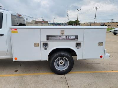 2021 Chevrolet Silverado 3500 Crew Cab 4x4, Reading Classic II Steel Service Body #ZT10851 - photo 5