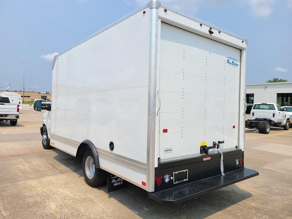 2021 Chevrolet Express 3500 4x2, Bay Bridge Cutaway Van #ZT11322 - photo 2