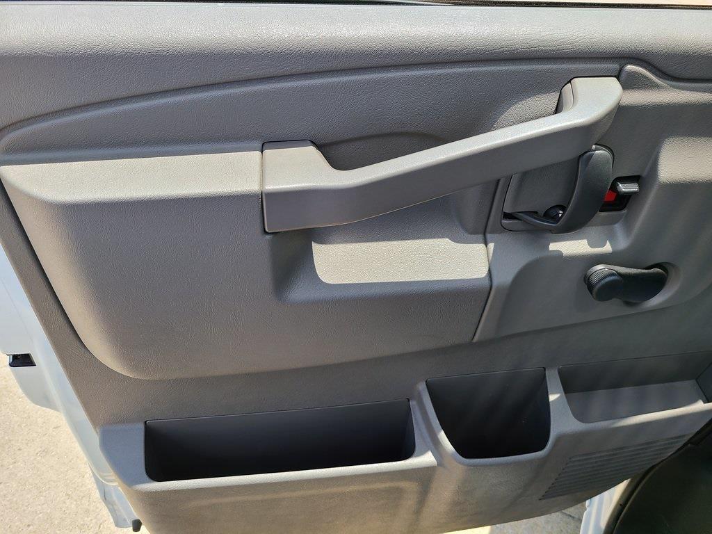 2021 Chevrolet Express 3500 4x2, Bay Bridge Cutaway Van #ZT11323 - photo 7