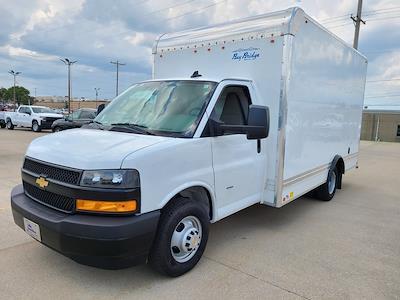 2021 Chevrolet Express 3500 4x2, Bay Bridge Cutaway Van #ZT11323 - photo 2