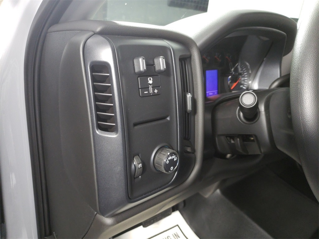 2018 Silverado 2500 Crew Cab 4x2,  Reading SL Service Body #ZT1718 - photo 11