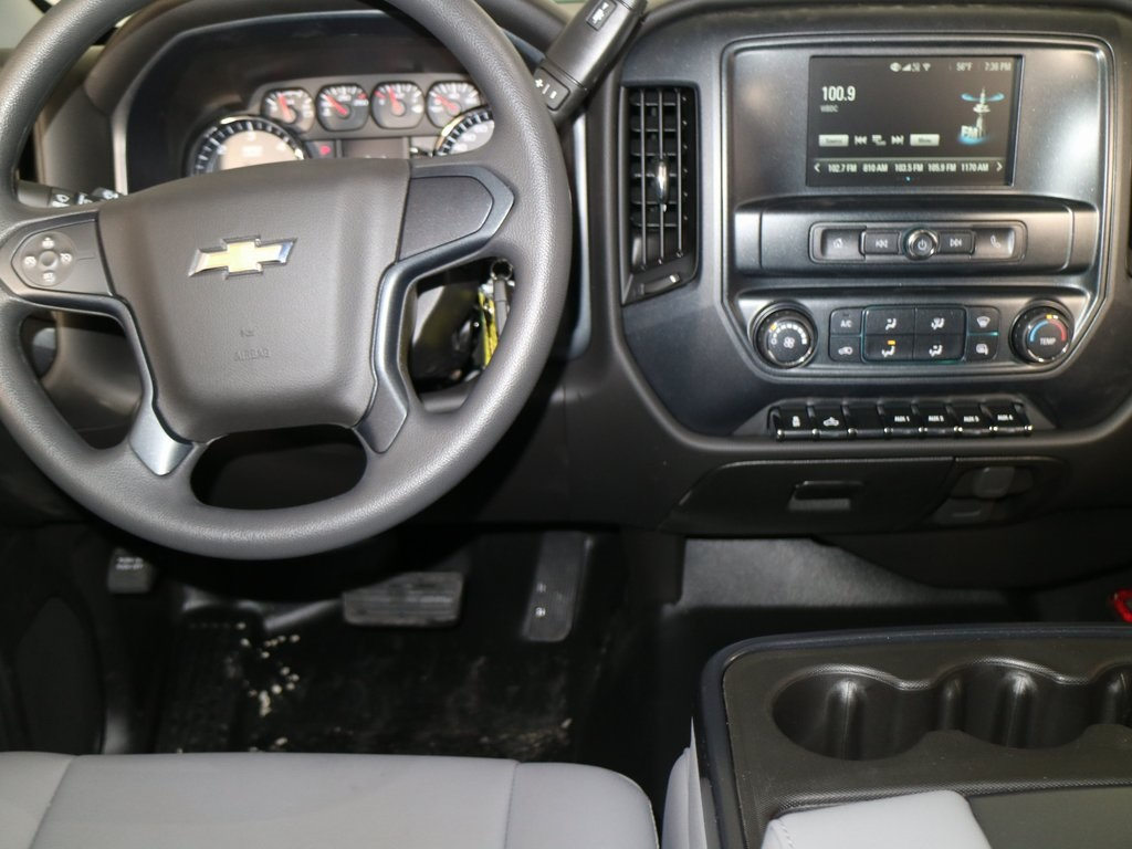 2018 Silverado 2500 Crew Cab, Reading SL Service Body #ZT224 - photo 10
