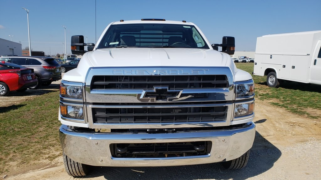 2019 Silverado 5500 Regular Cab DRW 4x2, Hillsboro GII Steel Platform Body #ZT4242 - photo 3