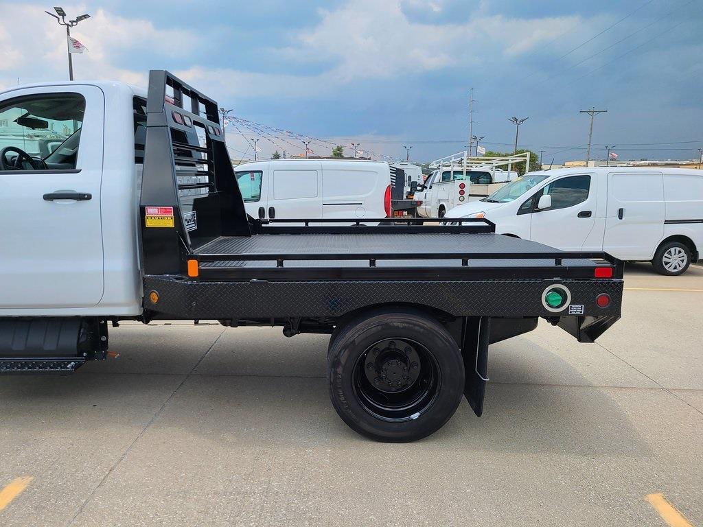 2019 Chevrolet Silverado 5500 Regular Cab DRW 4x2, Hillsboro Platform Body #ZT5719 - photo 5