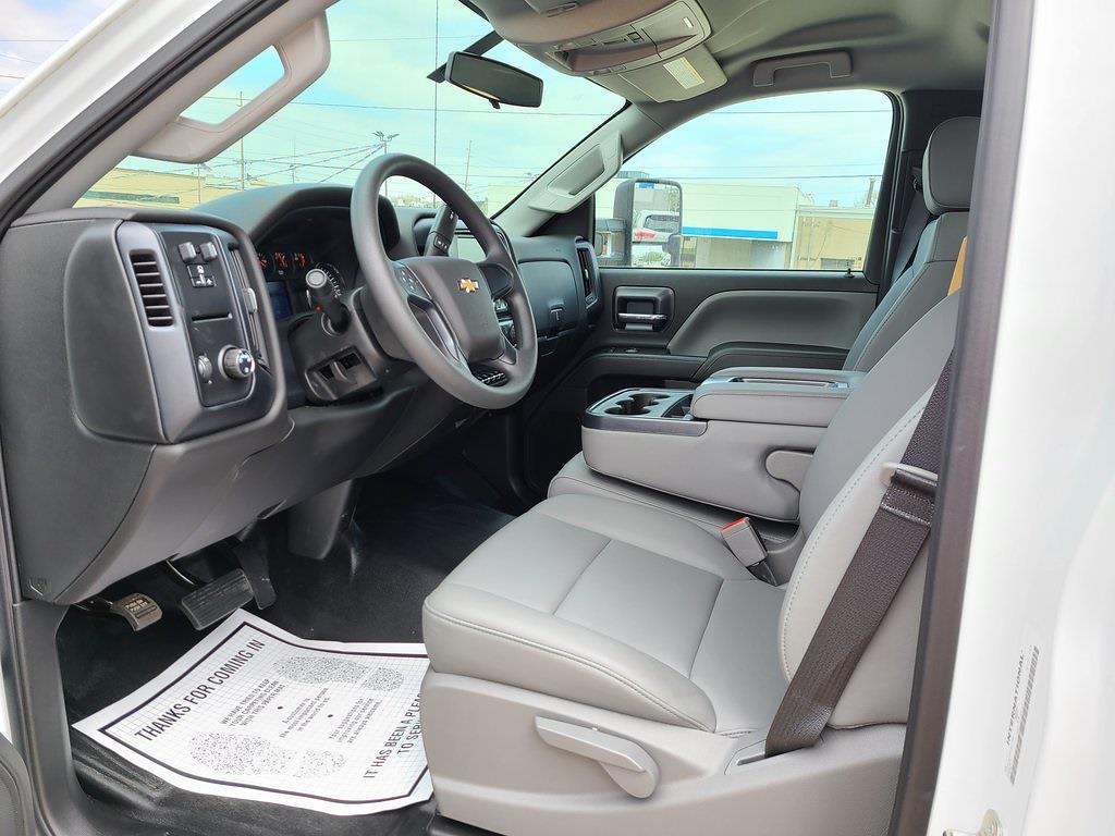 2019 Chevrolet Silverado 5500 Regular Cab DRW 4x2, Hillsboro Platform Body #ZT5719 - photo 7