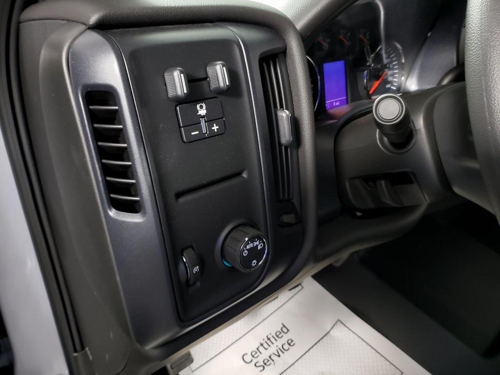 2019 Silverado 1500 Double Cab 4x2, Pickup #ZT6123 - photo 10