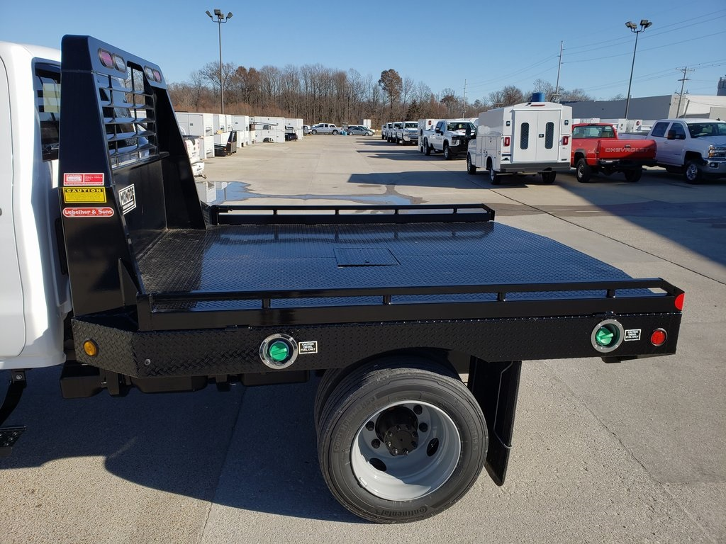2019 Silverado 4500 Crew Cab DRW 4x4, Hillsboro GII Steel Platform Body #ZT6400 - photo 5