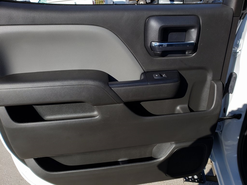 2019 Silverado 4500 Crew Cab DRW 4x4, Hillsboro GII Steel Platform Body #ZT6400 - photo 7