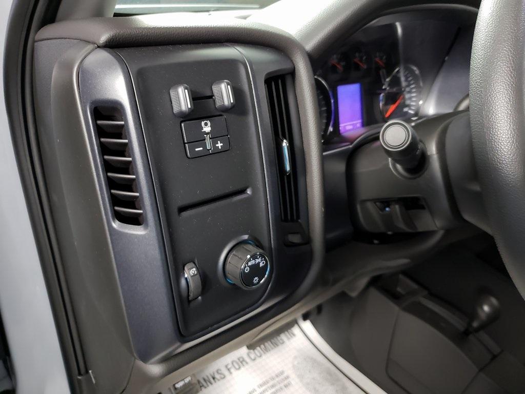 2019 Silverado 2500 Double Cab 4x4, Knapheide Steel Service Body #ZT7376 - photo 10
