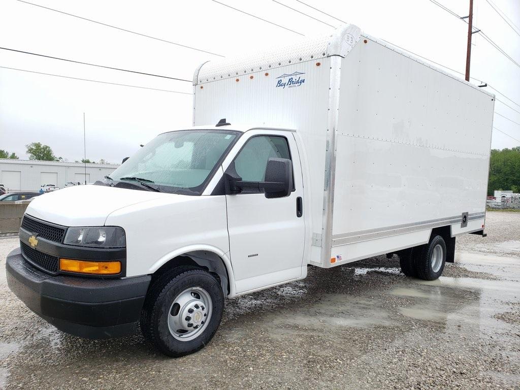 2020 Chevrolet Express 3500 4x2, Cutaway #ZT7946 - photo 1