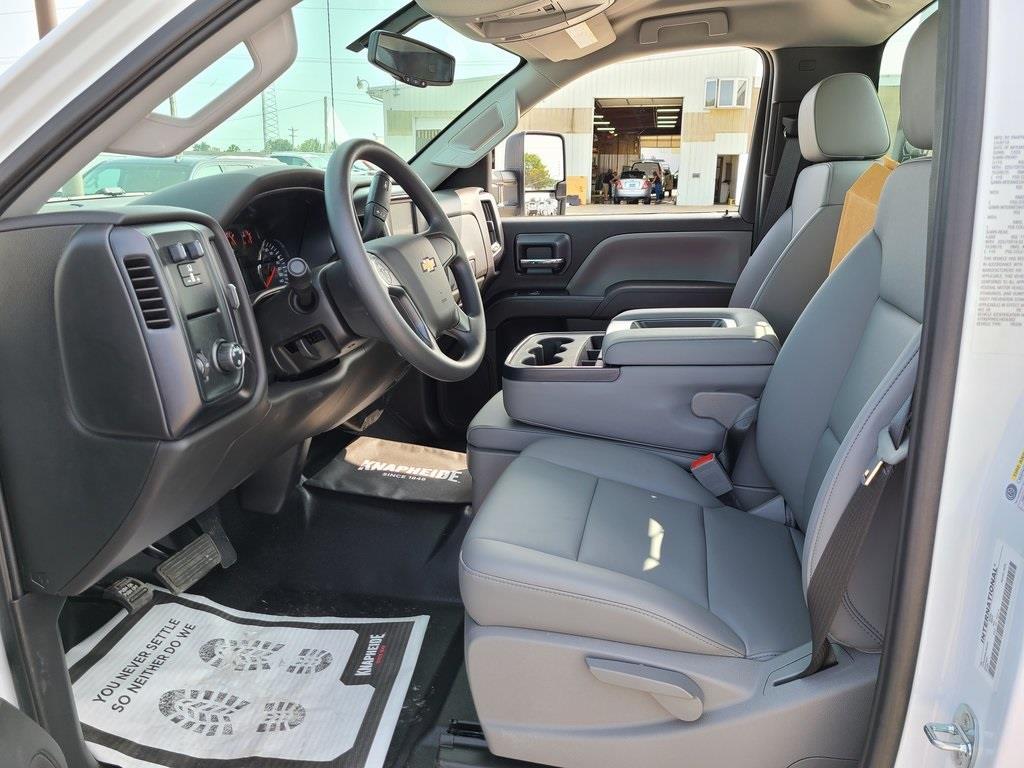 2020 Chevrolet Silverado 4500 Regular Cab DRW 4x2, Knapheide PGNB Gooseneck Platform Body #ZT8263 - photo 8