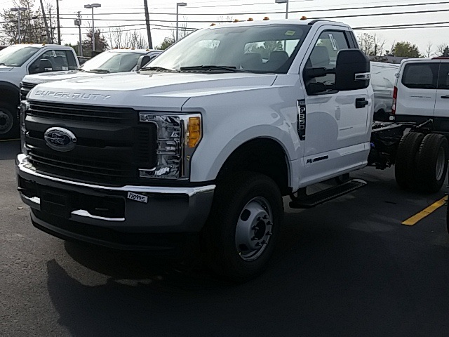 2017 F-350 Regular Cab DRW 4x4, Cab Chassis #FHF170995 - photo 4