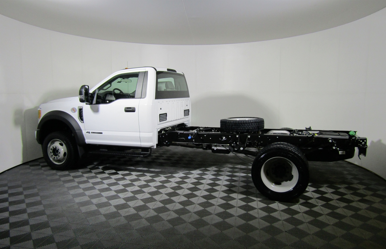 2017 F-450 Regular Cab DRW 4x4,  Cab Chassis #175323 - photo 3