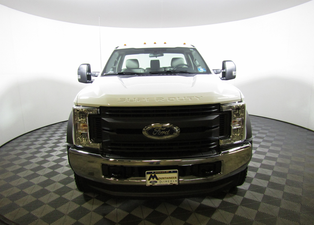 2017 F-550 Regular Cab DRW 4x4 Cab Chassis #175385 - photo 5