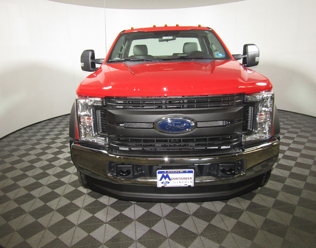 2017 F-550 Regular Cab DRW 4x4 Cab Chassis #175480 - photo 4