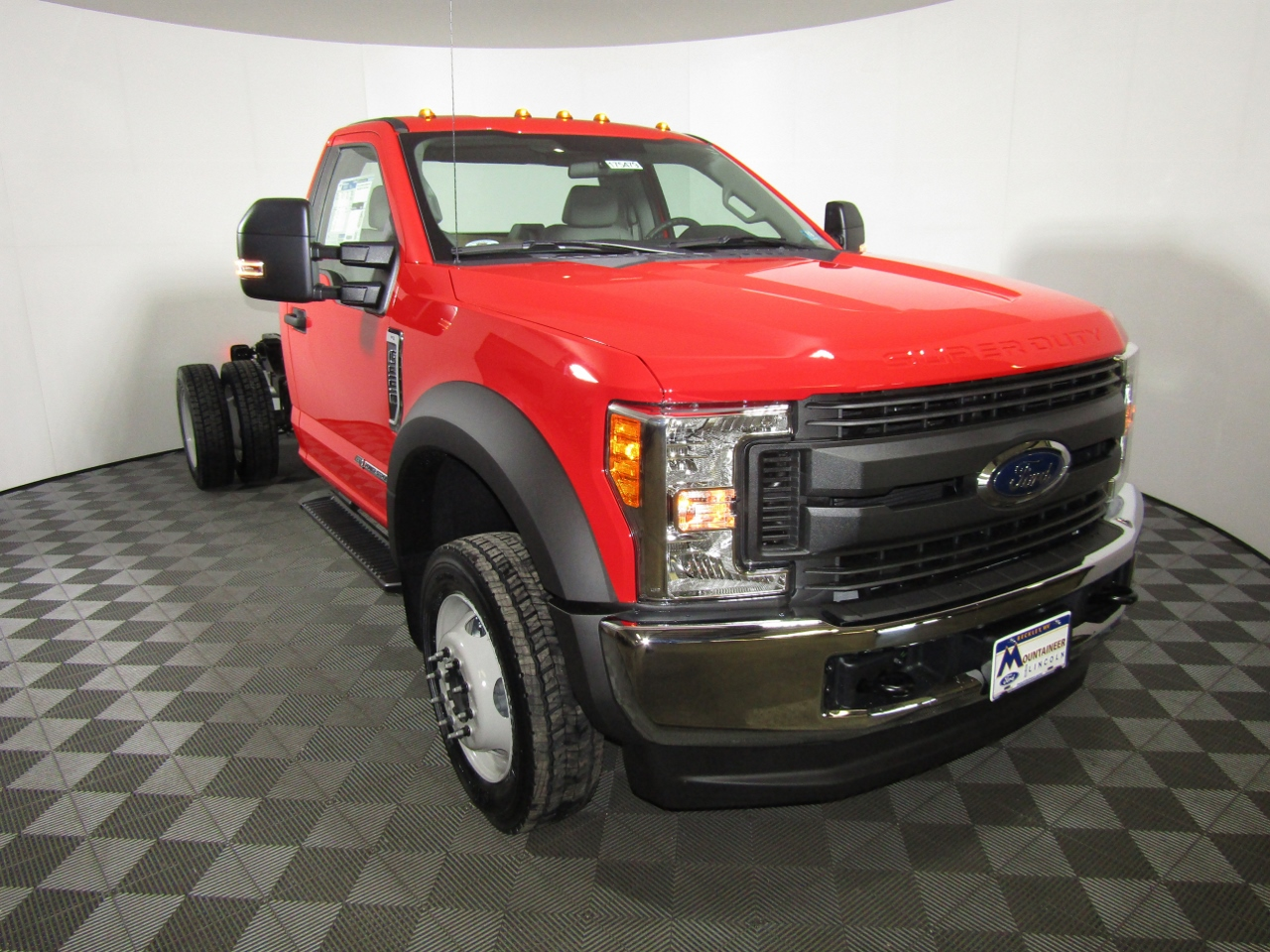2017 F-550 Regular Cab DRW 4x4 Cab Chassis #175480 - photo 5