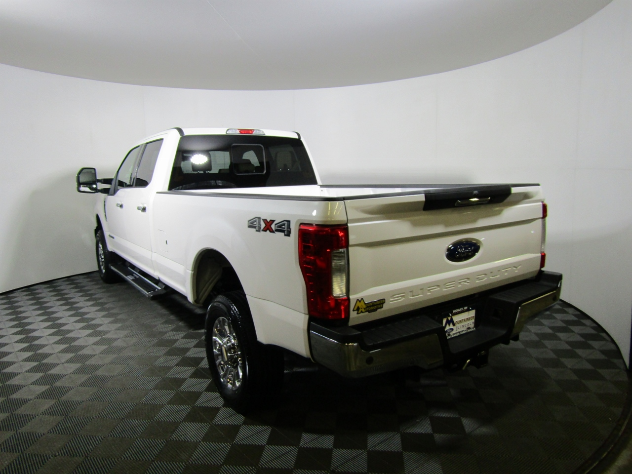 2017 F-250 Crew Cab 4x4 Pickup #175540 - photo 2