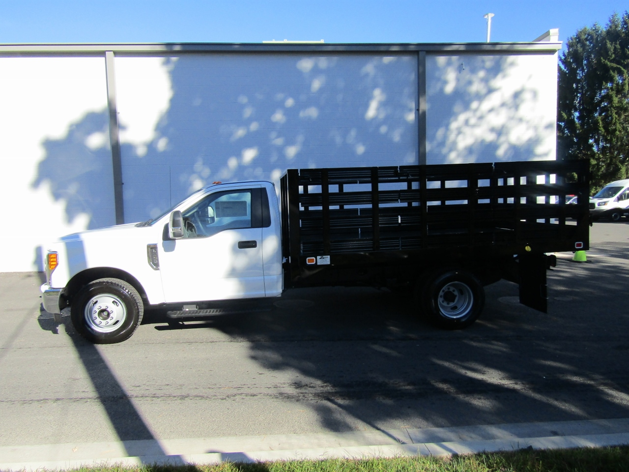 2017 F-550 Crew Cab DRW 4x4 Stake Bed #176088 - photo 8