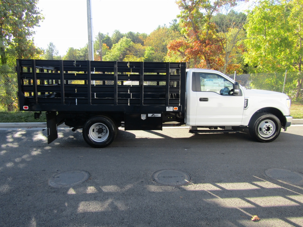 2017 F-550 Crew Cab DRW 4x4 Stake Bed #176088 - photo 10