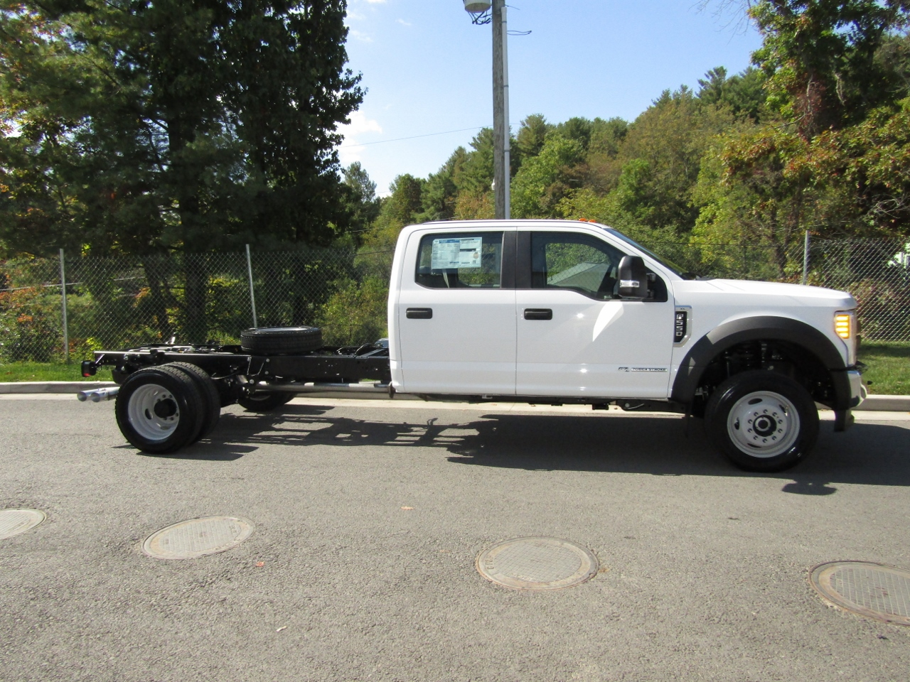2017 F-550 Crew Cab DRW 4x4 Cab Chassis #176095 - photo 8