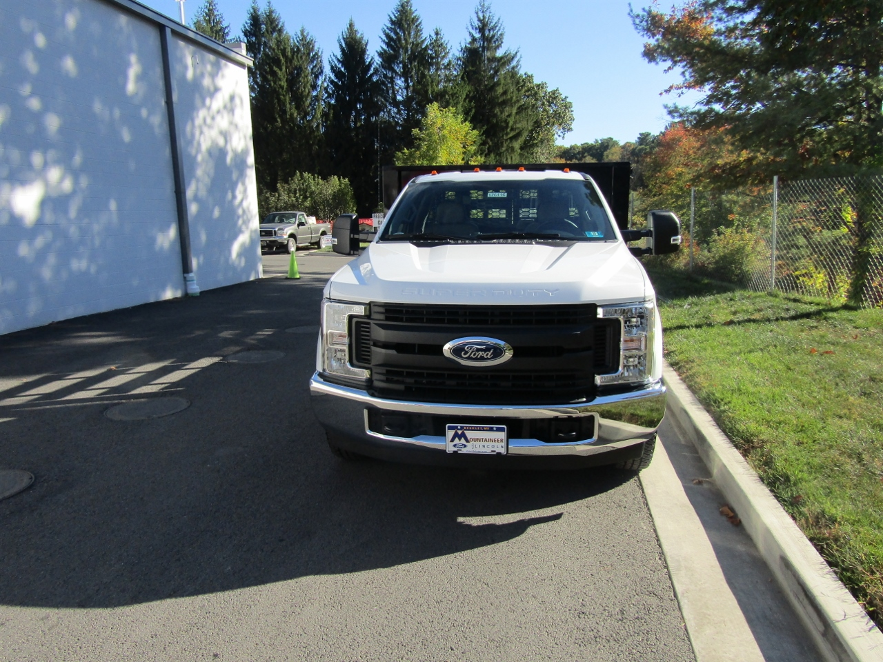 2017 F-350 Regular Cab DRW, Knapheide Stake Bed #176116 - photo 4