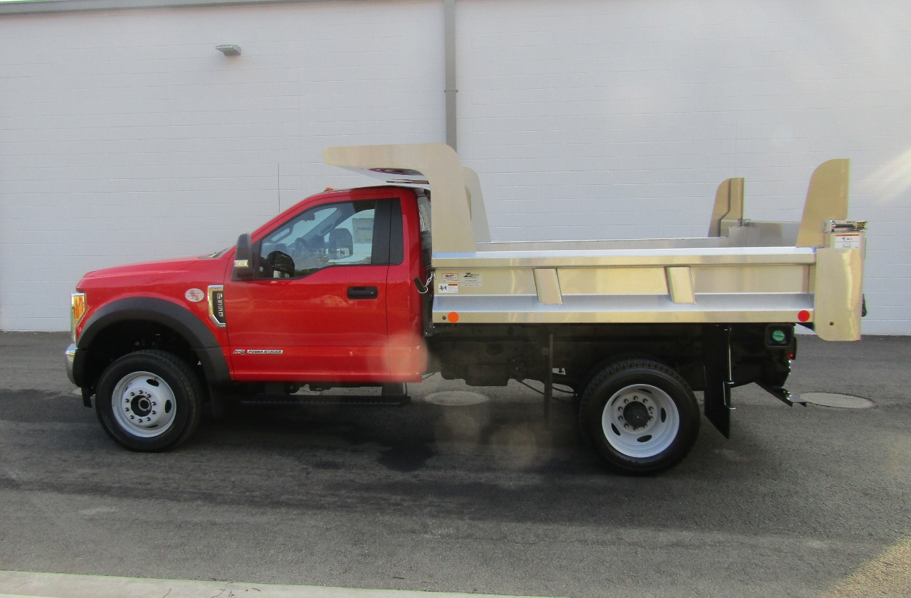 2017 F-550 Regular Cab DRW 4x4, Rugby Dump Body #176237 - photo 3