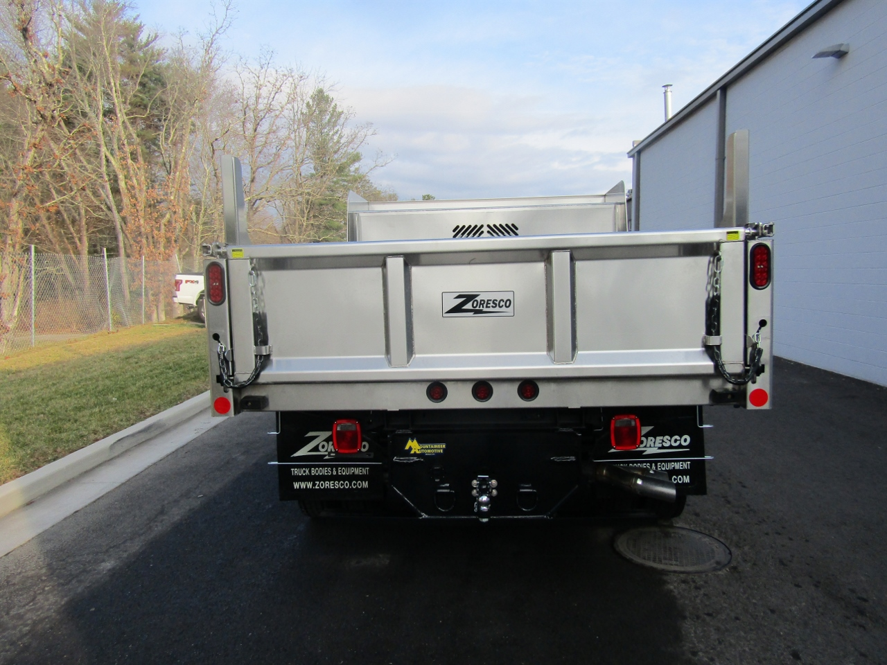 2017 F-550 Regular Cab DRW 4x4, Rugby Dump Body #176237 - photo 7