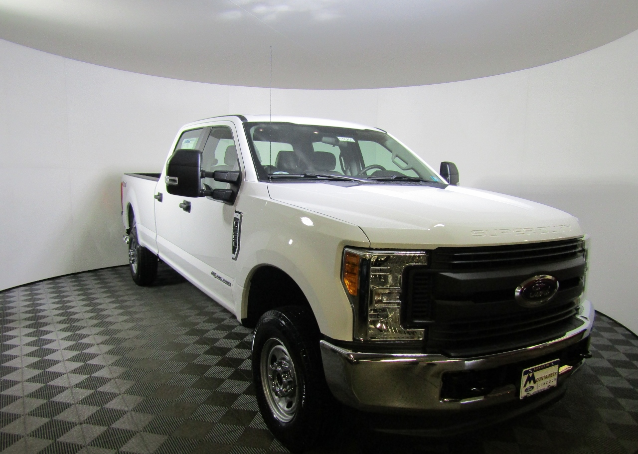 2017 F-350 Crew Cab 4x4 Pickup #176255 - photo 5