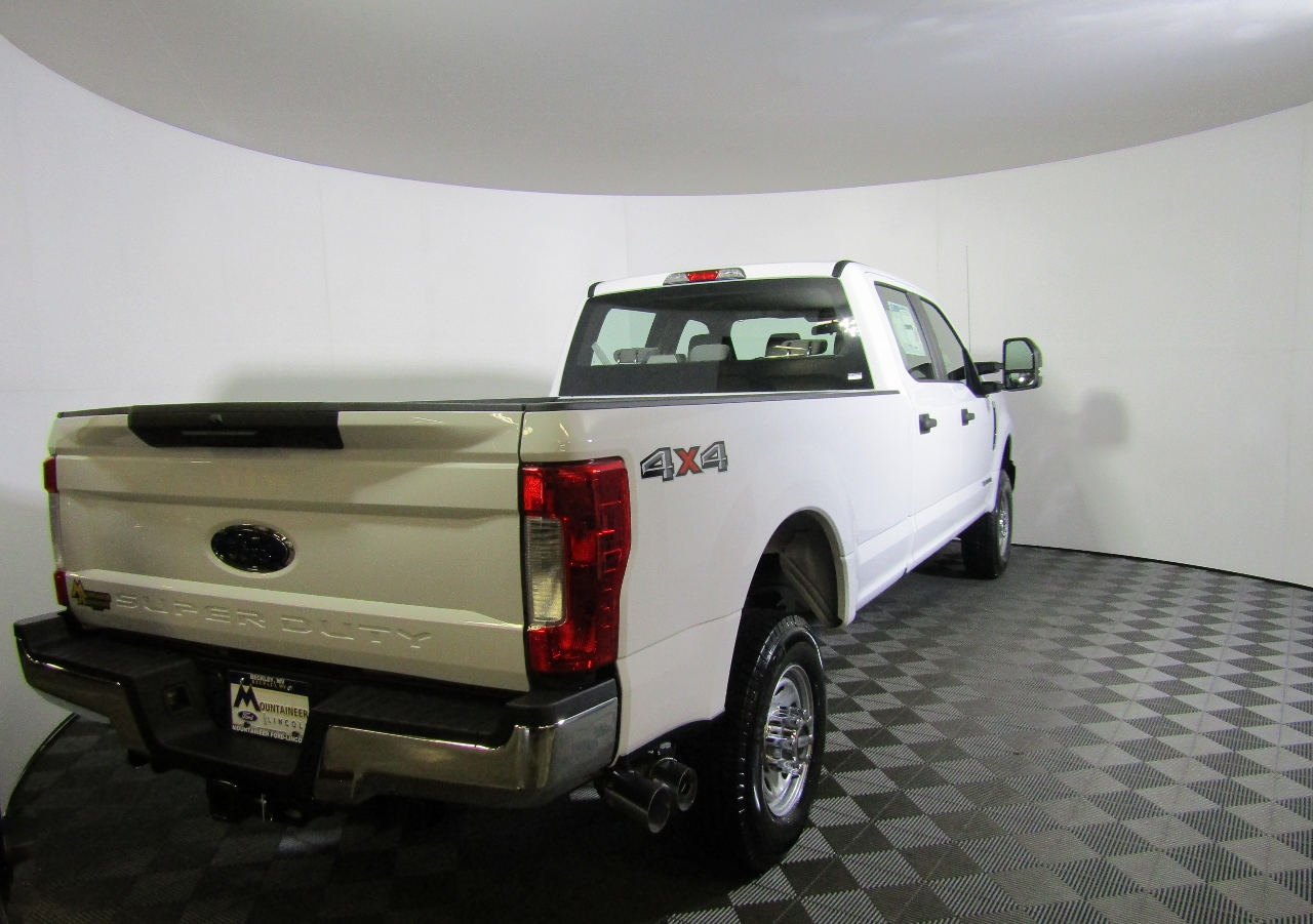 2017 F-350 Crew Cab 4x4 Pickup #176255 - photo 6