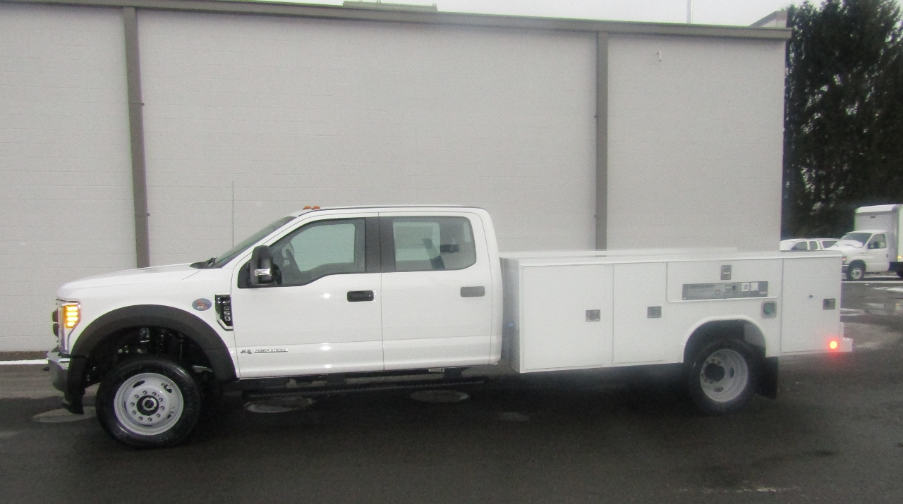 2017 F-550 Crew Cab DRW 4x4, Reading Service Body #176280 - photo 3