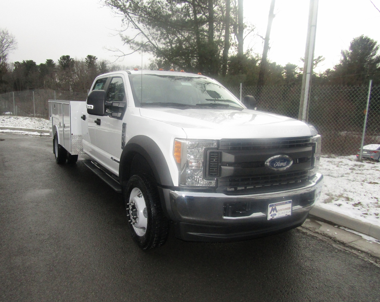 2017 F-550 Crew Cab DRW 4x4, Reading Service Body #176280 - photo 5