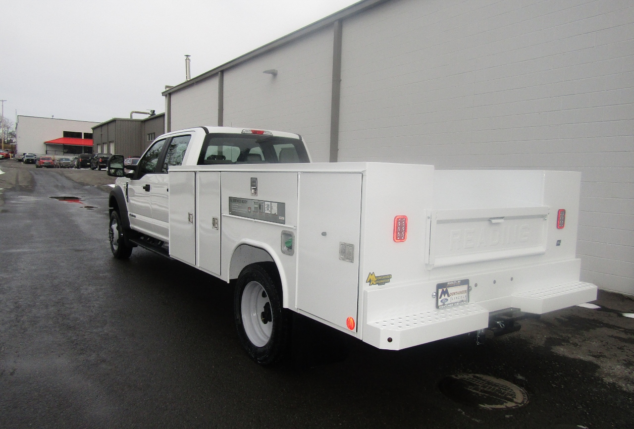 2017 F-550 Crew Cab DRW 4x4, Reading Service Body #176280 - photo 2