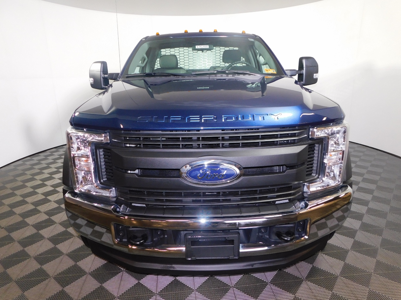 2017 F-550 Regular Cab DRW 4x4, Knapheide Platform Body #176288 - photo 4