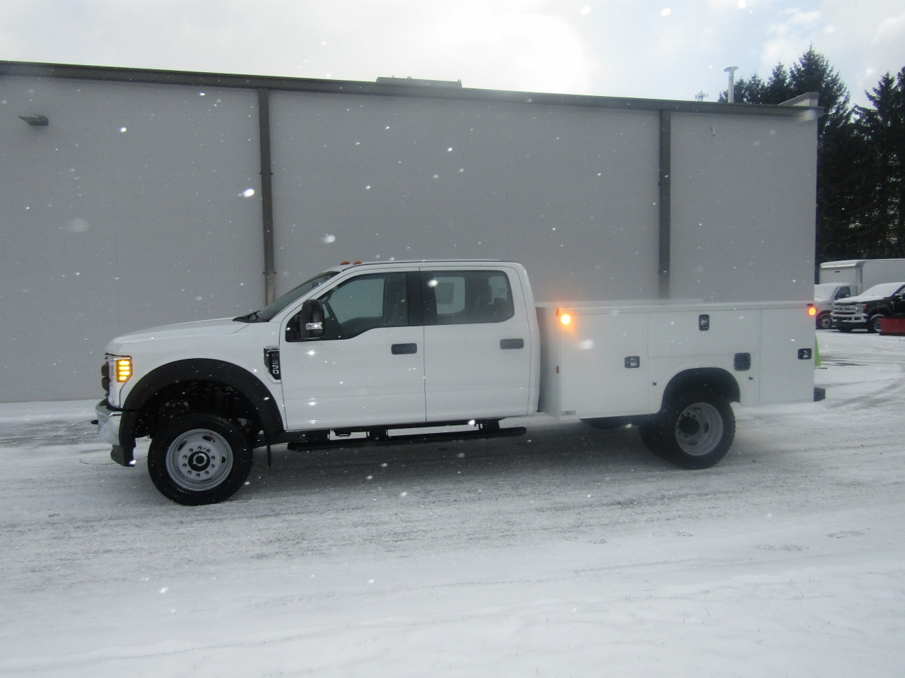 2017 F-550 Crew Cab DRW 4x4,  Service Body #176296 - photo 3