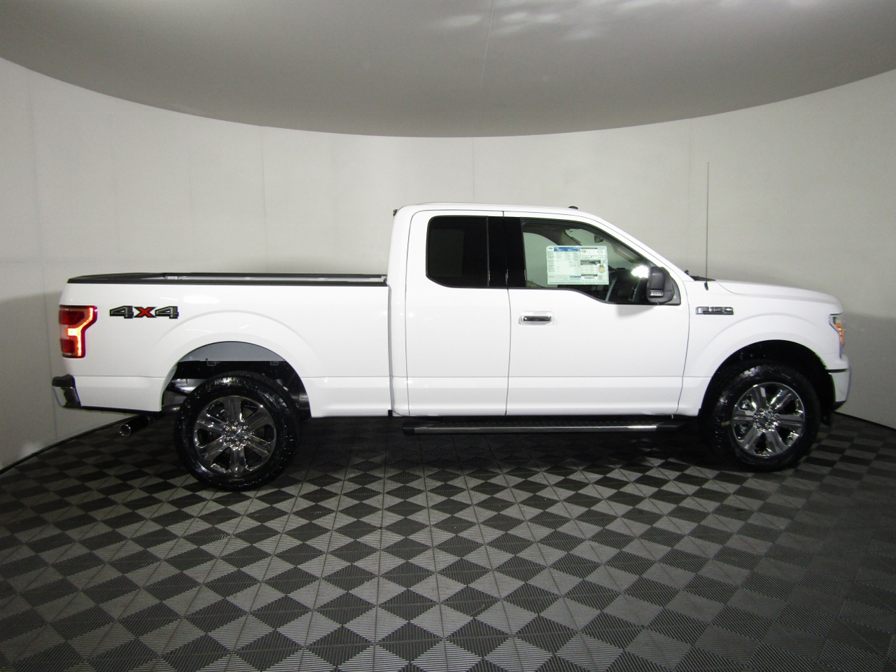 2018 F-150 Super Cab 4x4,  Pickup #182031 - photo 8