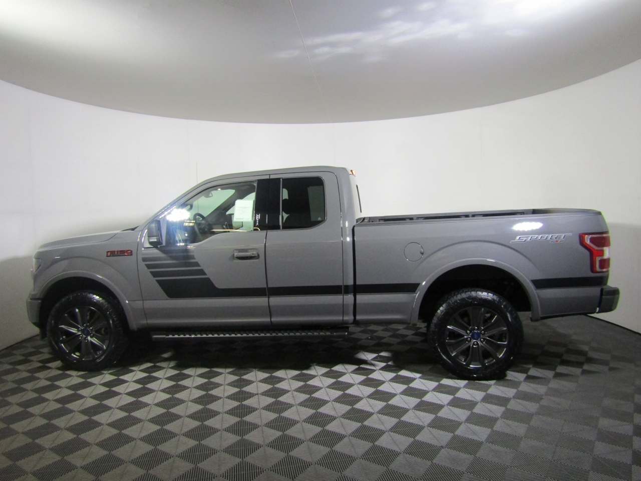 2018 F-150 Super Cab 4x4 Pickup #182105 - photo 3